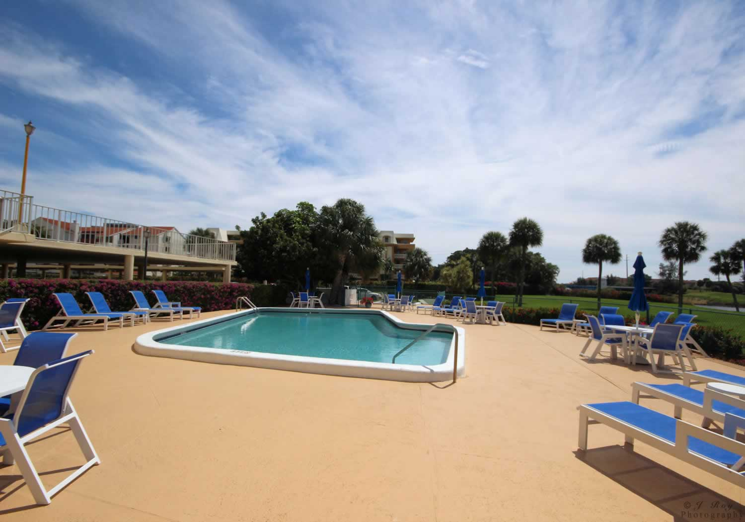 Cash For West Palm Beach Pool Homes